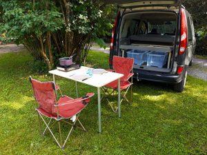 Aménagements modulaires - Table de camping - La Malle du Campeur, véhicules aménagés à l'aide de kits amovibles adaptés à tout type de véhicule